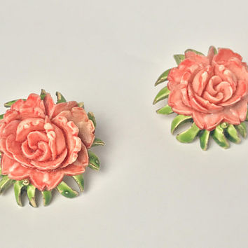 Antique Carved Pink Coral Celluloid Flower Earrings / MCM 1950s Vintage Floral Clip On / Peach Hand Carved Celluloid Rose on Green Leaves