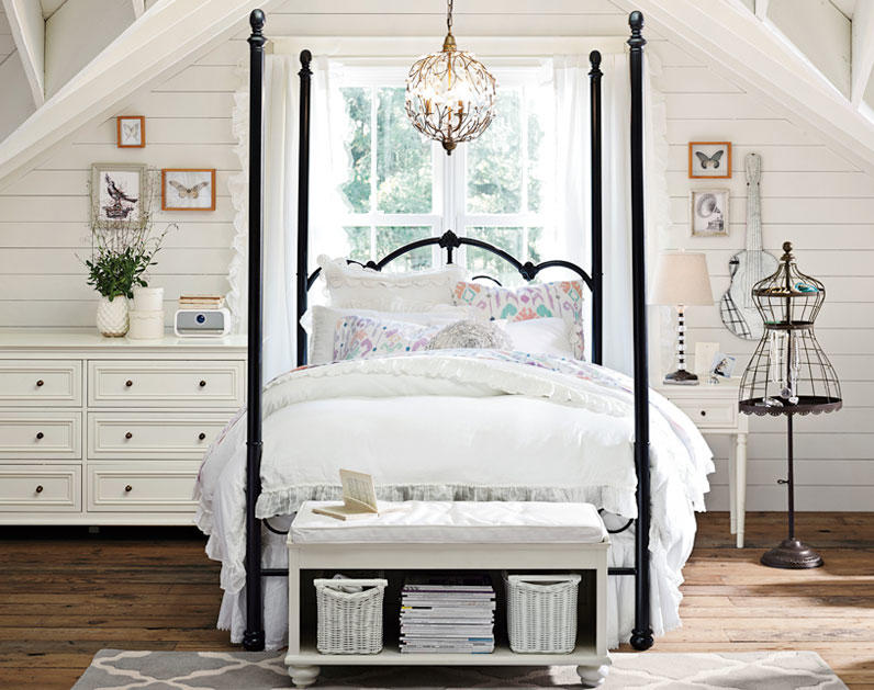 Teenage girl bedroom ideas four poster from pbteen for Bedroom designs with four poster beds