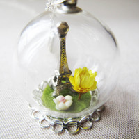 Paris Eiffel Tower, Yellow Dried Flower, Glass Ball Necklace, Paris Eiffel Tower, Real Flower, Glass Globe Necklace, Paris view Jewelry