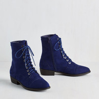 Trek Yourself Boot in Midnight Blue