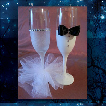 Bride and Groom toasting glasses with paint, glitter, mini tutu and rhinestones * wedding champagne glasses * custom toasting glasses