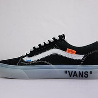 Virgil Abloh OFF-WHITE x Vans Old Skool Low Sneaker