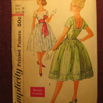 SALE Complete 1950's Simplicity Sewing Pattern, 2958! Size 16 Bust 36 Medium/Large/Women's/Misses/Full Flared Dress & Belt/Kimono Sleeves/Sa