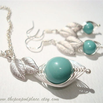 Sweet pea in a Pod Green turquoise necklace & earrings with leaves - Jade Swarovski pearl - Best Friend - wire wrapped - Bridesmaids