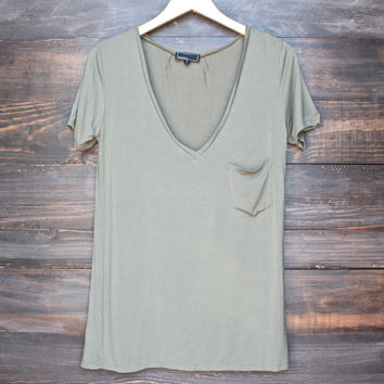 tease me oversize soft v neck tshirt in olive green