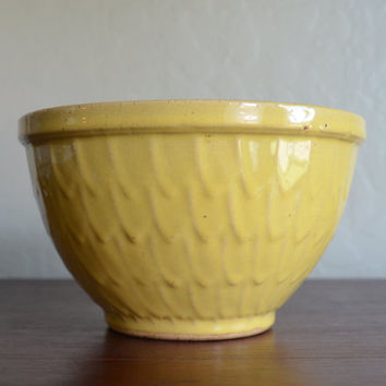 Vintage Yellow Ceramic Bowl with Feather or Fish Scale Pattern, Possibly McCoy, circa 1940s