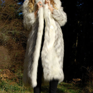 Vintage Shaggy Faux Fur Coat, MIRAGE 70s 80s Long Shag Jacket, Oversized Plush White Fur Coat, Boho Club Kid Disco, Full Length Maxi Coat