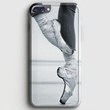 Ballet Dancer En Pointe iPhone 7 Plus Case