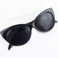 Black Cat Eye Sunglasses - Sheinside.com