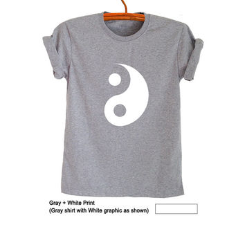Yin Yang T Shirt Grey Grunge Hipster Tumblr Fangirl Shirt Womens Teens Girls Unisex Graphic Tee Workout Fitness Swag Cool Dope Fresh Fashion