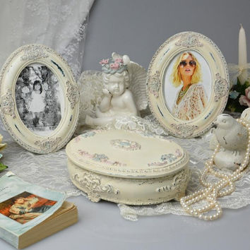 Shabby Chic Oval Jewelry Box with Two Oval Picture Frames, Ornate Trinket Box, Shabby Chic Frame, Victorian Style Jewelry Box , Wedding Gift