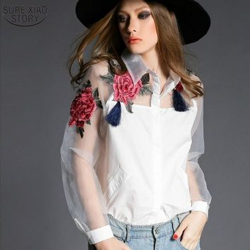 2015 new spring and summer blouse blusa embroidered flowers organza long-sleeved white shirt Black and white women tops 606B 28