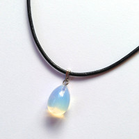 Teardrop Holographic Crystal Opalite Choker Necklae