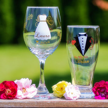 Set of 2 - Bride and Groom glasses, Strapless dress, Gold, Dark Red colors. Wine and Pilsner beer glasses.