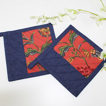 Tuscan Red Pair of Fabric Pot Holders with Denim Binding, Quilted Pot Holders for Tuscan Kitchen Decor, P107