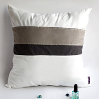 Onitiva White Lady Knitted Fabric Patch Work Pillow Cushion Floor Cushion in 19.7 by 19.7 inches