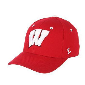 Licensed Wisconsin Badgers Official NCAA DH Size 7 Fitted Hat Cap by Zephyr 110607 KO_19_1
