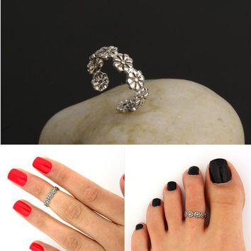 R284 Vintage Small Daisy Flower Joints Ring Beach Jewelry Retro Carved Adjustable Toe Ring Foot Women Jewelry