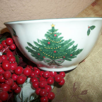 Christmas Tableware Vintage Mikasa Serving Bowl White Ceramic Christmas Tree Heritage Design Candy Nut  Festive Winter Holiday Home Decor