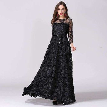 DCCKON3 2016 Europe and USA Catwalk Hot Vintage Black Hollow Lace Perspective Stereo Disk Flower Princess Dress Sexy Long Maxi Dress