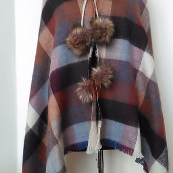 Wool Plaid Shawl    Lightweight Luxury Maroon Plaid Poncho    Cover up with faux fur Collar  HandmadebyNadya