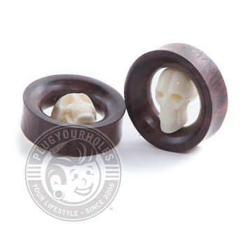 Sono Wood Tunnels with Carved Skull