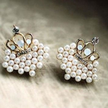 Pair of Fashion Style Micro Faux Pearl Rhinestone Cut Out Crown Earrings For Women   Golden