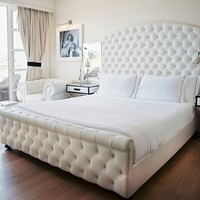 JOSIE TUFTED Bed