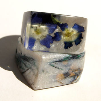 MODERN Design Dried Flower Resin Ring, Autumn Gift Idea, Persian Indigo Blue Ring, End Summer Rings, End of Summer, ResinHeavenUSA