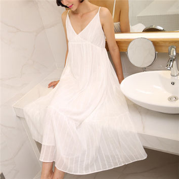 2017 Summer Sleep Lounge Long White Cotton Nightgown Vintage Home Dress Sleeveless V-neck Princess Sleep Dress Sleepwear #P132