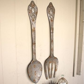 Large Metal Fork and Spoon Wall Decor (Set of 2)