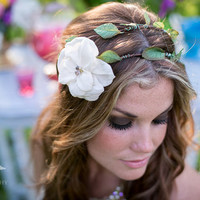 Floral Crown Bridal Halo with flower and vines- Wedding Crown, Vines and leaves, Ivory flower bloom on a hippie style double circlet