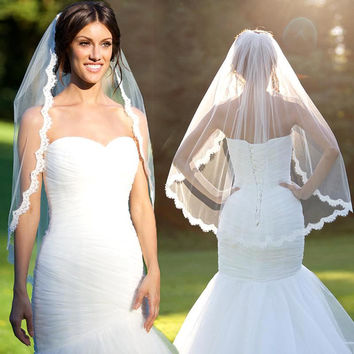 1.5 Meters Short Wedding Veils with Comb Lace Edge Ivory White Bridal Veil Free Shipping