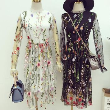 [Alphalmoda] 2017 Spring Female Beautiful Embroidery Flower Perspective Gauze Lace Slim One-piece Dress with Lining Dress