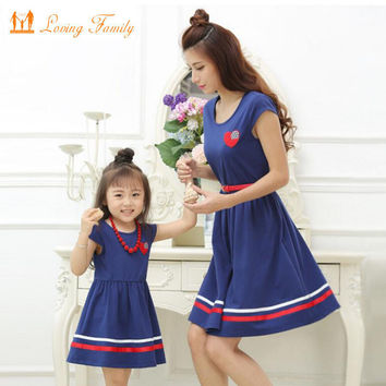 Mother Daughter Dresses with Belt and Necklace Family Clothing Mom Daughter Dress 2017 Summer style Girls Women Cotton Dresses