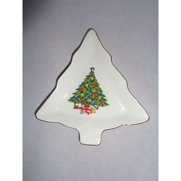 """""""Christmas Treasure"""" Snack Dishes  S/4"""