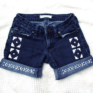 Tribal Print Shorts - size 00
