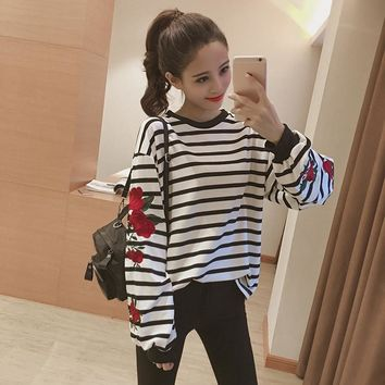 Women's Sweatshirts Japan Harajuku Ulzzang Embroidery Flowers Loose Thin Striped Turtleneck School Girl Sweatshirt For Women