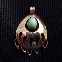 Authentic Navajo,Native American,Southwestern sterling silver bear claw paw shadow box sleeping beauty turquoise pendant/necklace.