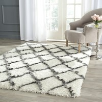 Safavieh Moroccan Shag Ivory/ Grey Rug (6' x 9') | Overstock.com Shopping - The Best Deals on 5x8 - 6x9 Rugs