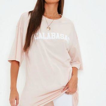 Missguided - Peach Oversized Calabasas Graphic T Shirt Dress