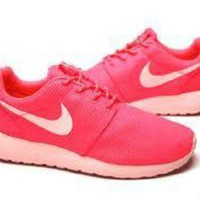 DCCKIG3 WMNS NIKE ROSHE RUN HOT PUNCH