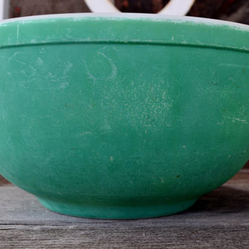 1940's Green Primary Colors Pyrex Mixing Bowl