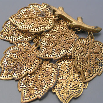 LARGE Vintage Pin Brooch Gold Gilt Filigree Brass Leaves Charm Jewelry