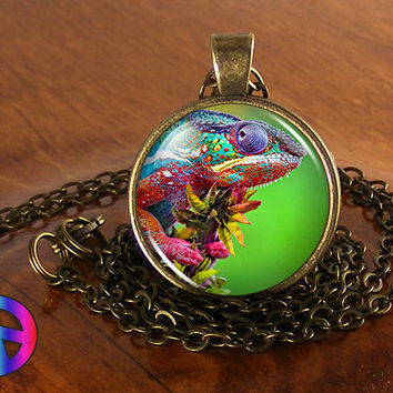 Colorful Chameleon Lizard Antique Vintage Necklace Pendant Jewelry Charm Gift