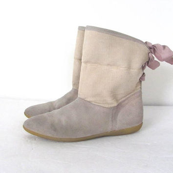 STOREWIDE SALE...Vintage leather boots. Lace up fold over booties.