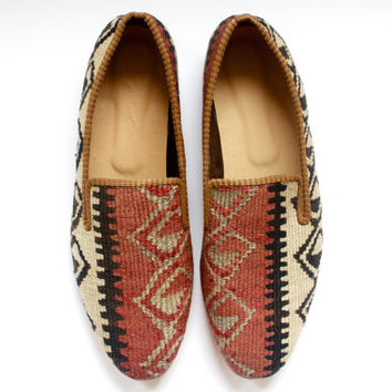 Men Kilim shoes. Size 45 (Men US size 11.5)