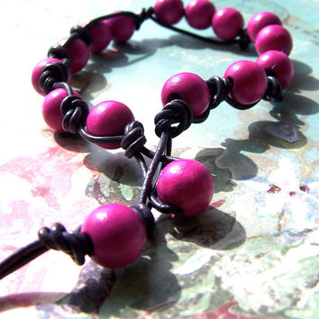 Knotted Leather Bracelet, Hot Pink Beads, Boho Summer Bracelet, Knotted Purple Leather