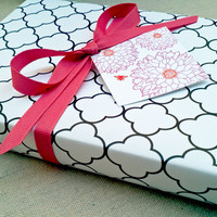 Black and White Clover Patterned Wrapping Paper for Small Gift
