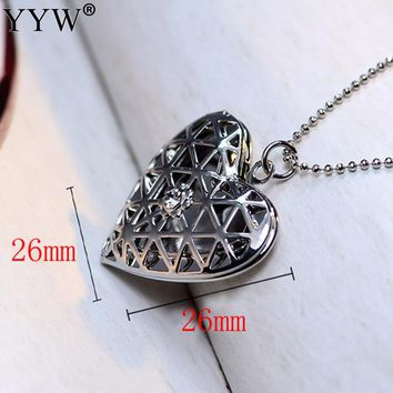Memory Love Heart Charms Jewelry Necklace Women Zinc Alloy Hollow Rhinestone Vintage Cage Photo Medallion Pendants Necklaces